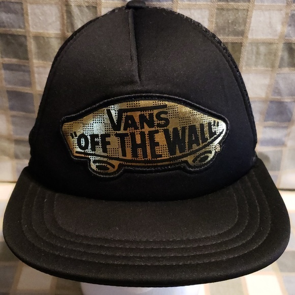 a3248a3f2 Vans Off The Wall Classic Patch Trucker Hat